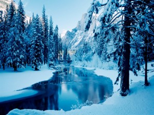Postal: Nieve junto al río