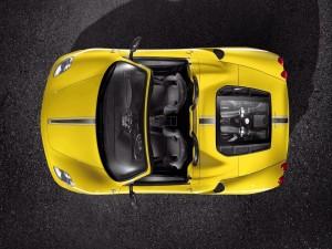 Postal: Ferrari visto desde arriba