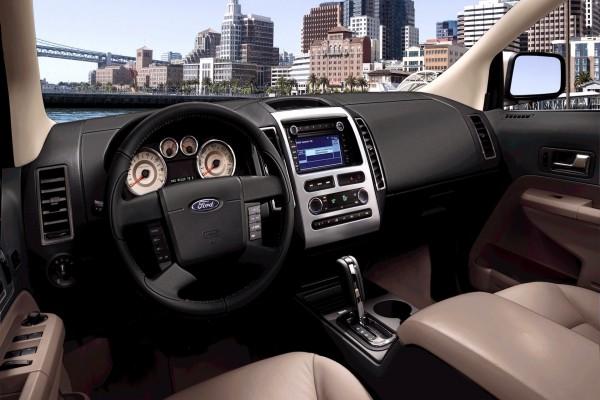 Dentro de un Ford