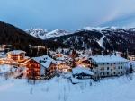 La noche con nieve en Madonna di Campiglio
