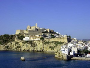 Postal: Dalt Vila, zona antigua de la ciudad de Ibiza