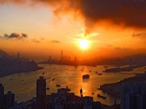 Postal: El sol al atardecer