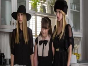 Postal: Tres jóvenes brujas (A.H.S. Coven)