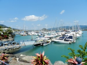 Postal: Barcos en el puerto deportivo