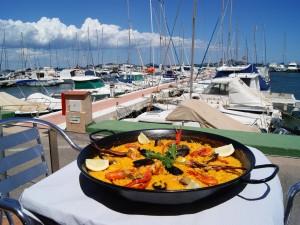 Paella junto al mar