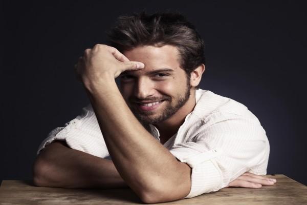 El guapo cantante Pablo Alborán