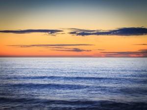 Aguas tranquilas en Cabo Arago, Oregón
