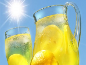 Postal: Refrescante limonada