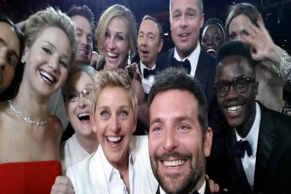 Selfie de actores en los Oscar 2014