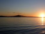 El sol acariciando el agua