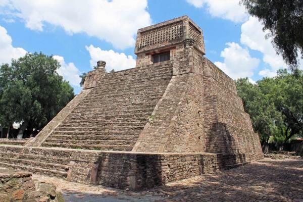 Pirámide de Santa Cecilia Acatitlan (México)