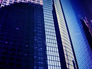 Postal: Ventanas de un gran edificio