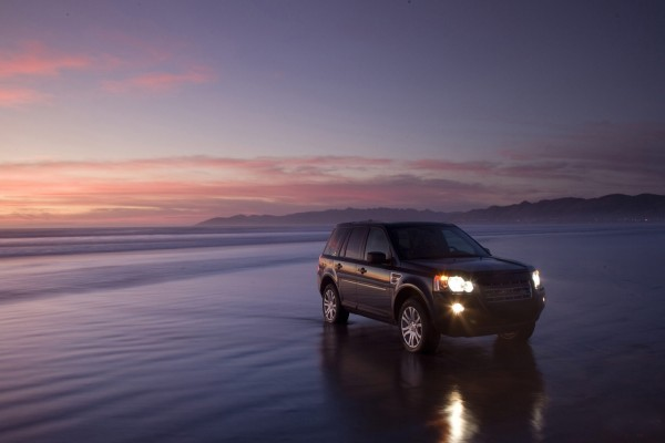 Land Rover en la playa