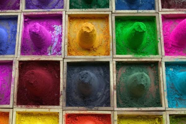Arena de color, en cada uno de los cajones