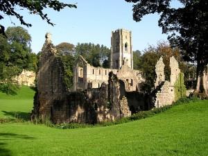 Postal: Edificio religioso en ruinas