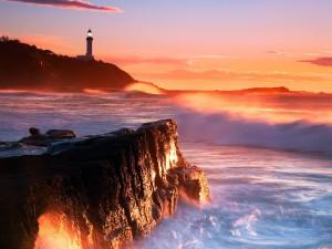 Postal: Faro y el mar