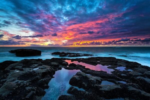 Una bonita puesta de sol en el Cabo Arago (costa de Oregón)