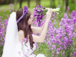 Postal: Una novia feliz