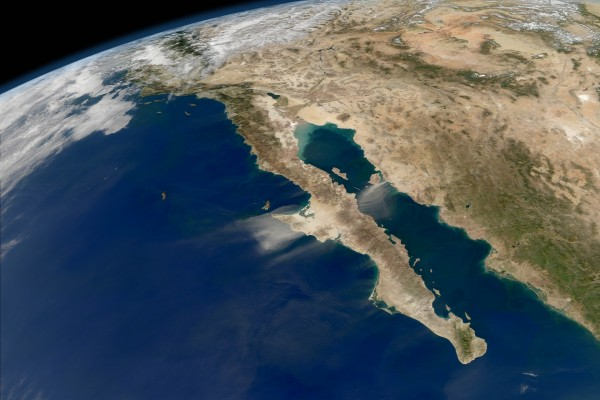 Vista satélite de la Península de California