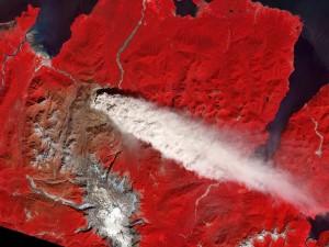 Erupción del volcán, visto desde el espacio