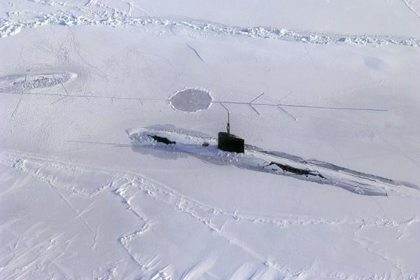 Un submarino en el Ártico