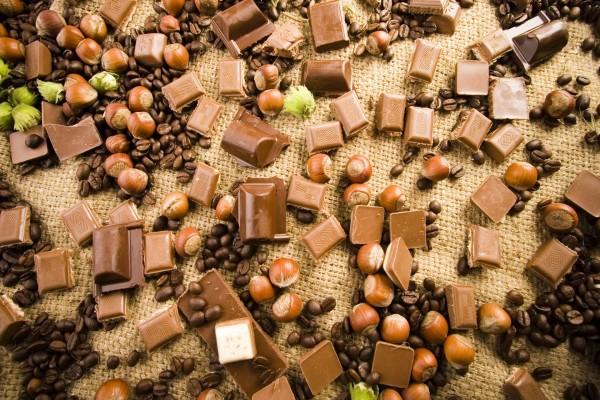 Chocolate, avellanas y café