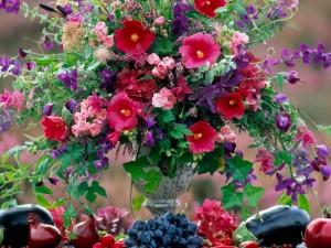 Hermosas flores en un jarrón