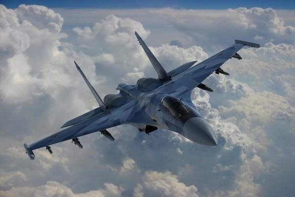 Moderno avión de combate ruso
