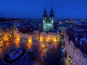 Postal: Vista de la Iglesia de Týn (Praga)