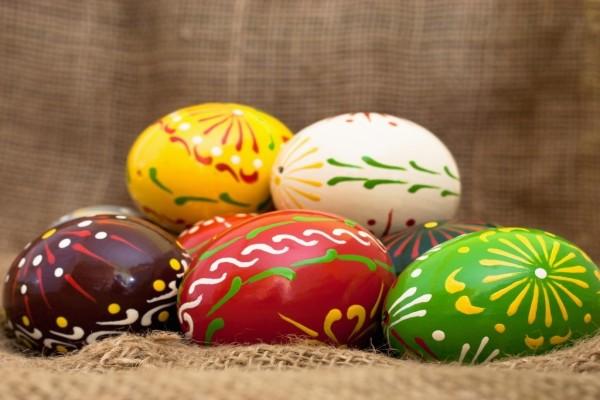 Huevos de Pascua, de diversos colores