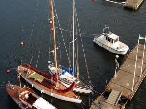Embarcaciones en el muelle (Estocolmo)
