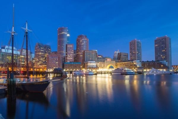 Yates en el puerto de Boston