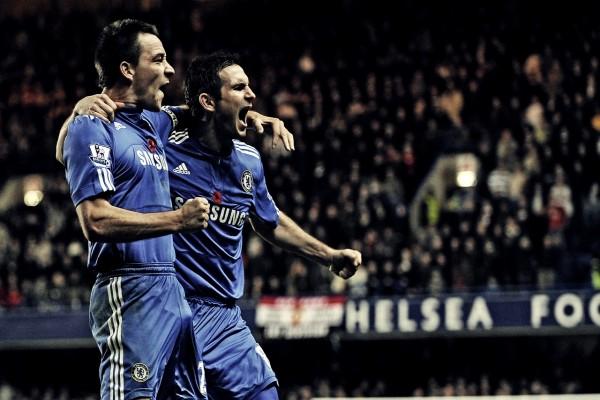 Dos jugadores del Chelsea Football Club