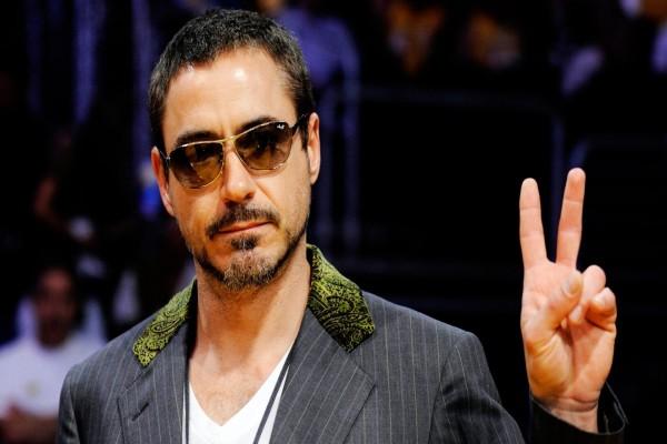 Robert Downey Jr. con gafas de sol