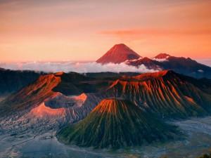 Postal: Volcanes al atardecer