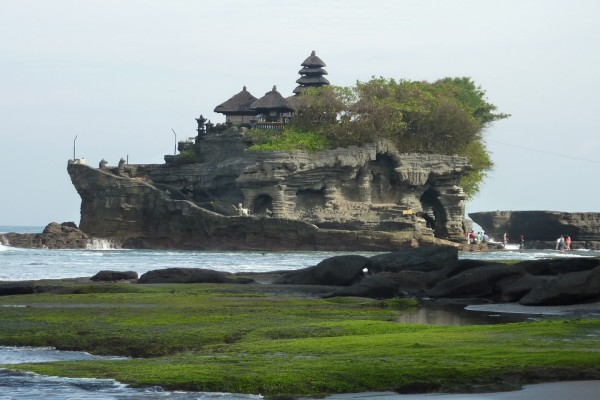 Visita al Templo Tanah Lot (Indonesia)