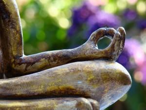 Postal: Estatua en posición de loto