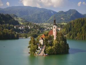 Isla en el lago Bled (Eslovenia)