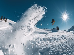 Practicando con la tabla de snowboard