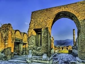 Postal: Arco en las ruinas