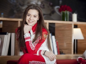 Postal: La bella patinadora Adelina Sotnikova