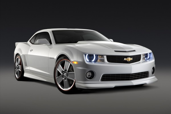 Chevrolet Camaro blanco