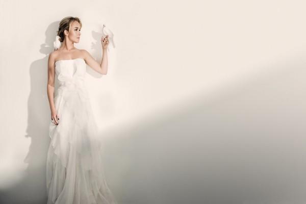 Hayden Panettiere, vestida de novia con dos palomas blancas