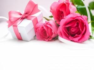 Rosas de color rosa para regalar