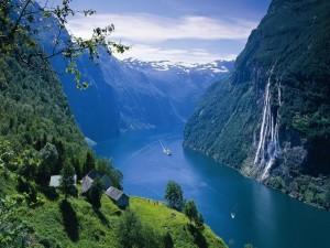 Postal: Fiordo en Noruega