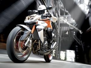 Postal: Pilotando una Kawasaki
