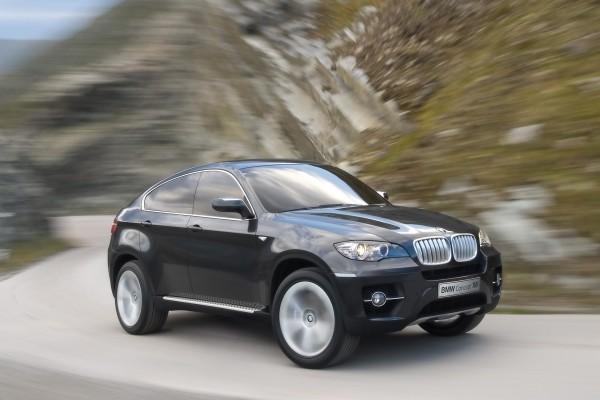 BMW Concept X6, en movimiento por la carretera