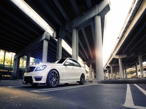 Postal: Mercedes-Benz Sedan C63