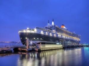 El Queen Mary 2 en el puerto