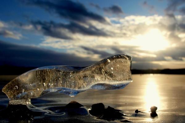 Bloque de hielo derritiéndose